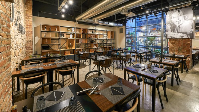 Sala del restaurante - BO di NAPOLI, Barcelona