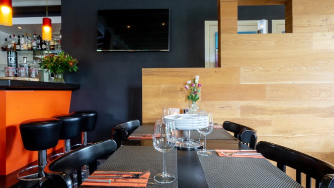 Het restaurant - Hello Again, Leusden