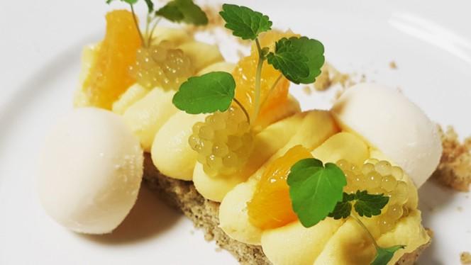 Yoghurt parfait, sablé breton, orange-ginger custard and green tea pearls - De Waaghals, Amsterdam