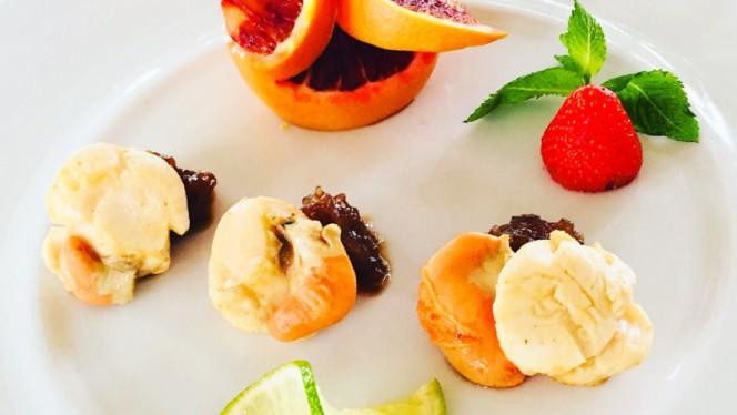 Capa santa brasata su cipollato in agrodolce - Smoove Restaurant Drink, Viareggio