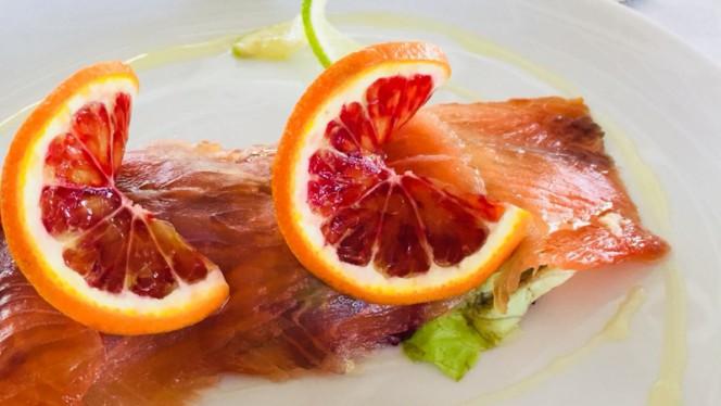 Salmone marinato a secco - Smoove Restaurant Drink, Viareggio