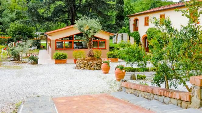 wine bar vista esterna - Da Roberto al frantoio della Belluccia, Serravalle Pistoiese
