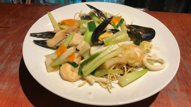 Crispy noodles Seafood - Wau, Amsterdam