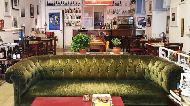 divano - Bukowski's Bar, Rome