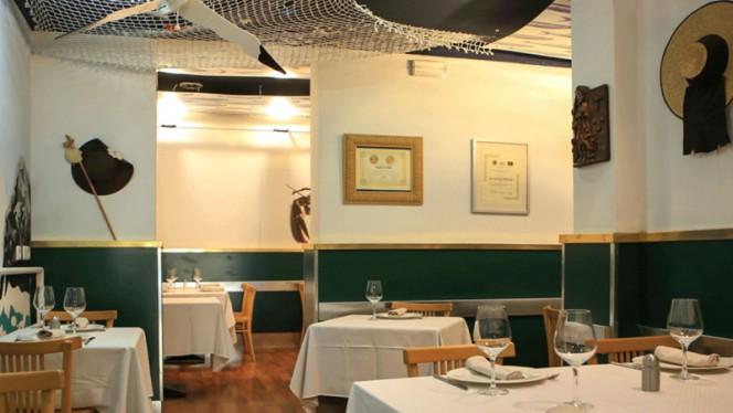 Sala del restaurante - O'Conxuro, Madrid