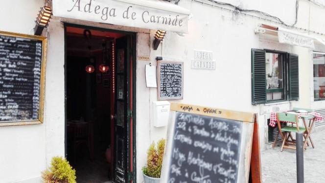 Entrada - Adega de Carnide, Lisboa