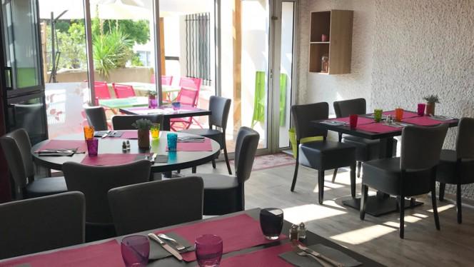 Salle véranda - Brasserie du Centre, Aix-en-Provence