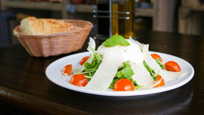 Salade Bella Burrata - L'Avventura, Strasbourg