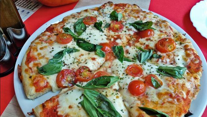 Pizza - Pizzeria Della Cabeza, Madrid