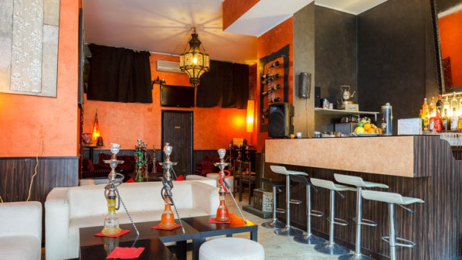 Veduta dell interno - Etoile Cafè, Milan
