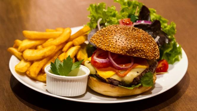 Burger aux Fromage - Kelly's Síbín, Strasbourg