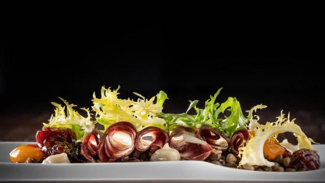 Ensalada de lentejas verdes y jamón de pato - City Bar & Restaurant - Grand Hotel Central 5*, Barcelona