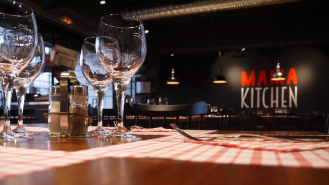 détail table dressée - Mama Kitchen Caffè, Lille