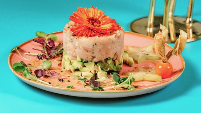 Sevelhas  Tartare di ricciola, avocado, erba cipollina, salsa cremosa al sesamo, semi di sesamo - Amazonia, Rome
