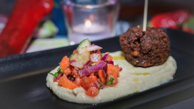 Hummus y falafel - Café Infinito, Valencia