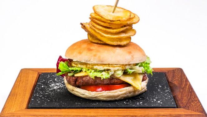 Burger - El Racó - Diagonal, Barcelona