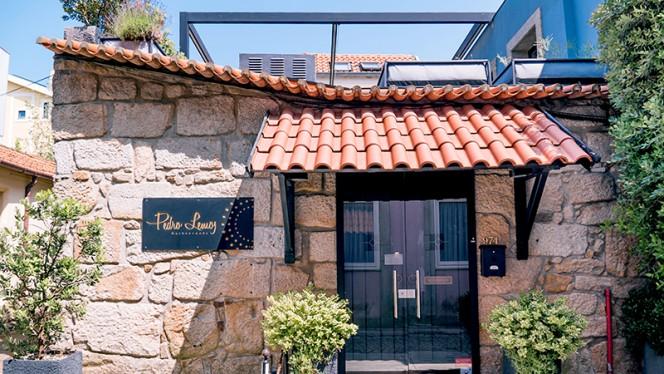 Entrada - Pedro Lemos, Porto