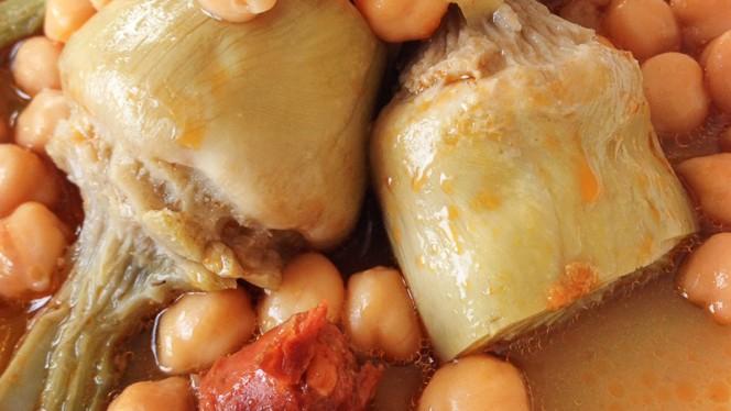 alcachofas  del Baixcon garbanzos - El Palau Vell, Sant Andreu De La Barca