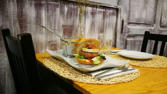 burger - Red Red Wine, Valencia