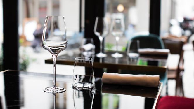 Table dressée - Sadarnac, Paris