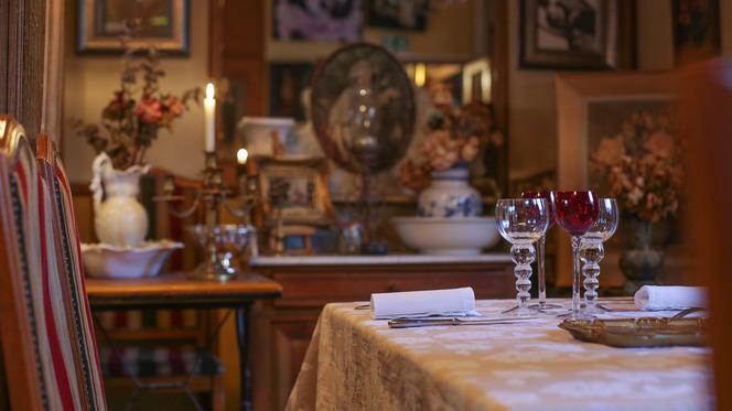 Table dressée - Hôtel Restaurant La Villa Toscane, Paris