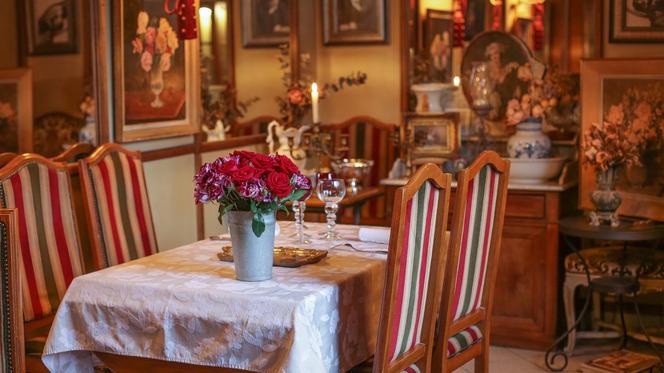 Tables dressées - Hôtel Restaurant La Villa Toscane, Paris
