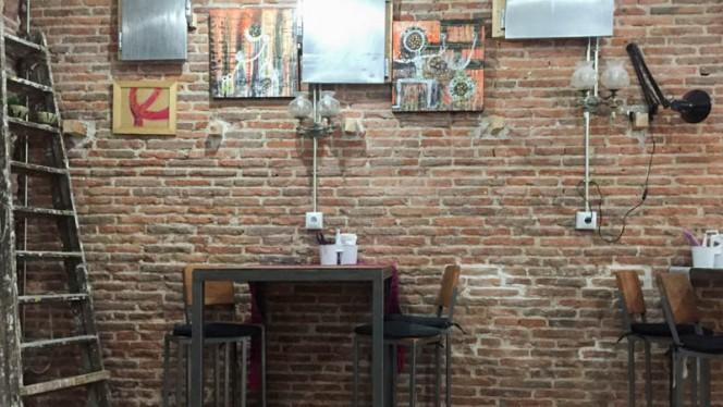 Vista sala - Dog & Fox urban kitchen, Madrid