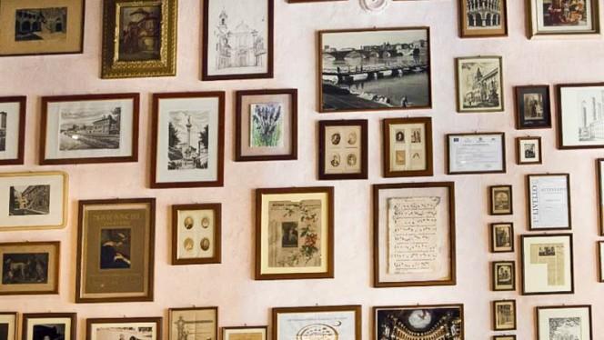 decorazioni - Osteria della Darsena, Pavia