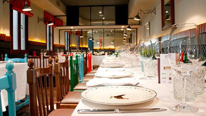Interior - Taberna Moderna, Madrid
