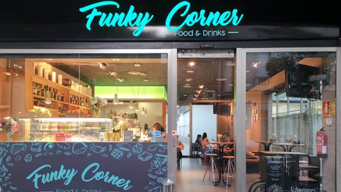 entrada - Funky Corner, Barcelona