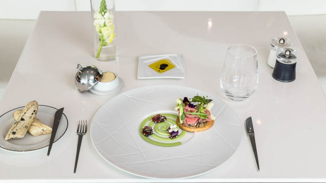 Prato - River Lounge – MYRIAD by SANA Hotels, Lisboa