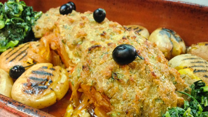 bacalhau c/broa (especialidade da casa) - Bessa 711, Porto