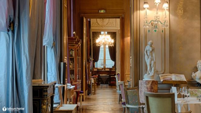 Vue de l'intérieur - 1728, Paris