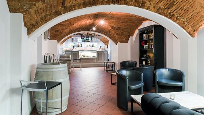 lounge bar - Cantine Bernardini, Lucca