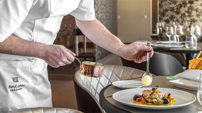 Chef - Flor-de-Lis – EPIC SANA Lisboa Hotel, Lisboa