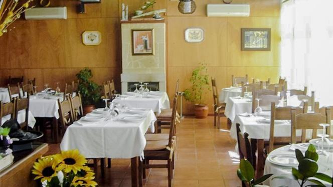 Comedor - O Lar Do Leiton, Ourense