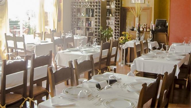 Mesas salón - O Lar Do Leiton, Ourense