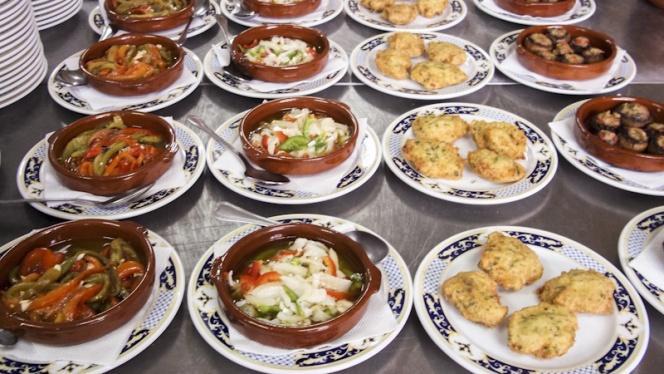 Surtido de platos - O Lar Do Leiton, Ourense