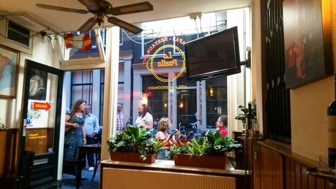 Het restaurant - La Paella, Amsterdam