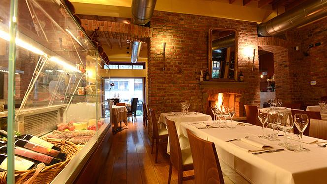 La sala con camino - Il Capestrano, Milan