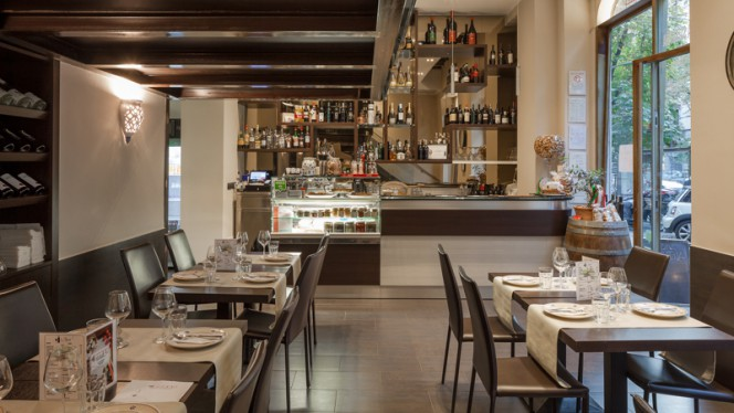 Interno - Grape - Ristorante Salentino, Milan