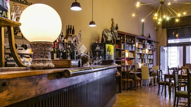 Vista sala - Va Mo Lá, Bologna