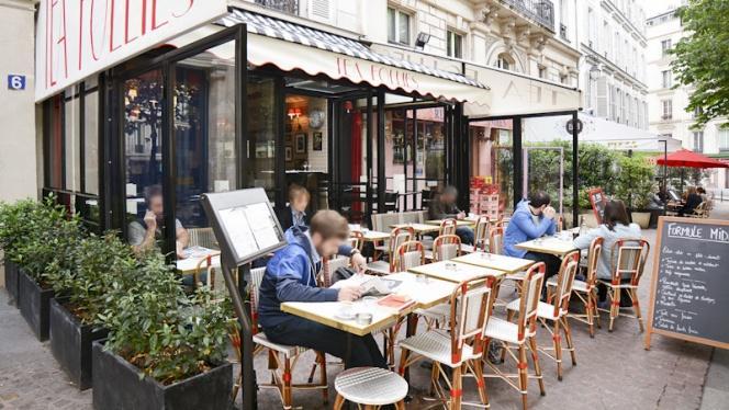 Vue terrasse - Chez Gustave anciennement Tea Follies, Paris