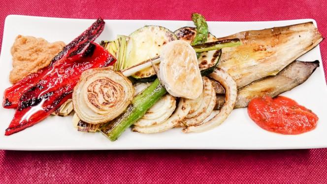 Timbal de verduras a la parrilla... - Nova Lua Chea, A Coruña