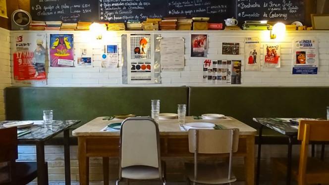 detalhe da mesa - Taberna da Esperança, Lisboa