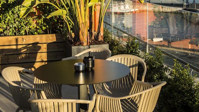 Esplanada - Okah Restaurant & Rooftop, Lisboa