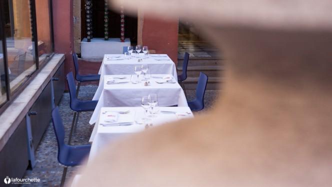 Tables dressées - Restaurant La Tour Rose, Lyon
