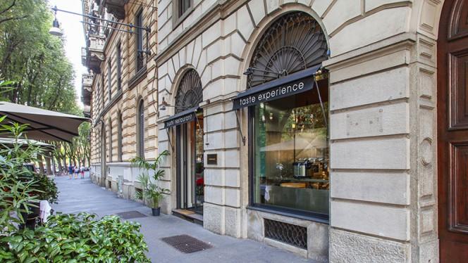 Esterno - Cinquantadue Taste Experience, Milan