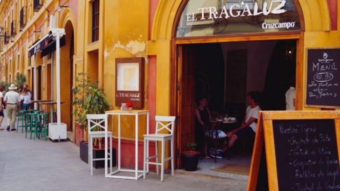 Entrada - El Tragaluz, Sevilla