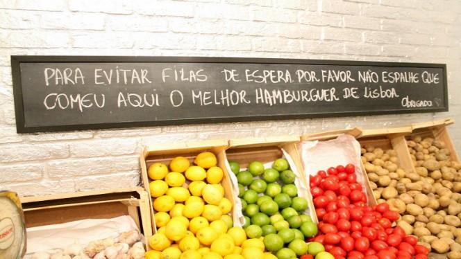 detalhe de decoração - Honorato – Sta. Marta, Lisboa